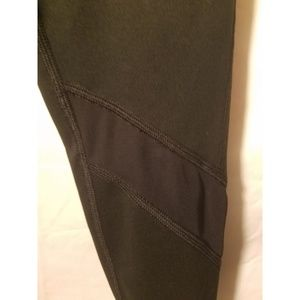 aerie Pants - AERIE CHILL PLAY MOVE LEGGINGS SIZE SMALL